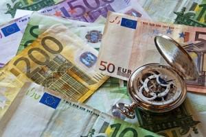 kulutusluottoa saa haettua netistä ja pankista